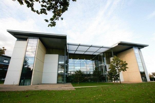 英国赫特商学院两大强势专业来袭丨自带一年带薪实习属性!