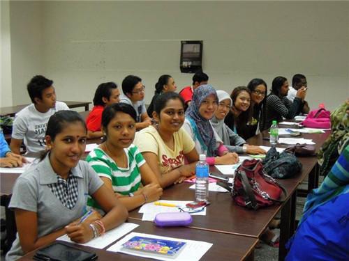马来亚大学研究生语言班