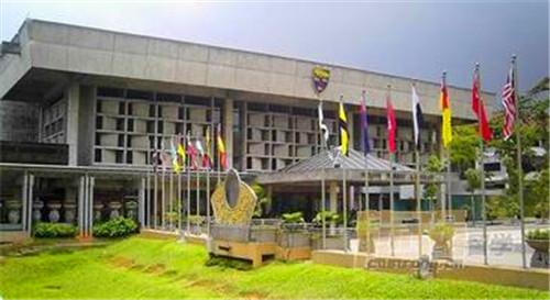 马来亚大学中国留学生多不多?