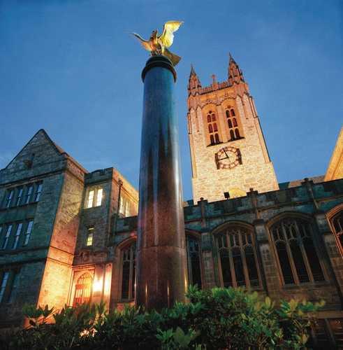 波士顿学院一年学费