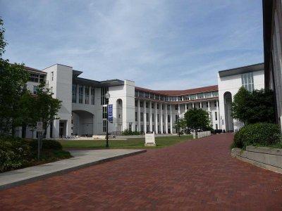 埃默里大学硕士留学生活费用多少?