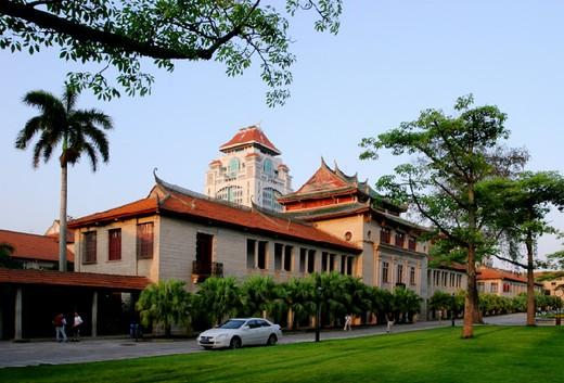 马来西亚吉隆坡建设大学难毕业