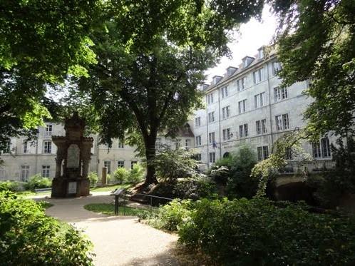 足够优秀、努力,法国里昂第一大学在向你招手!