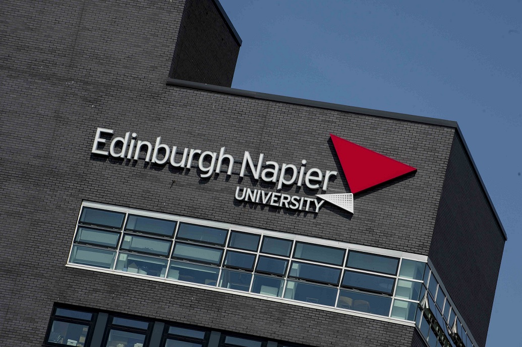 爱丁堡龙比亚大学