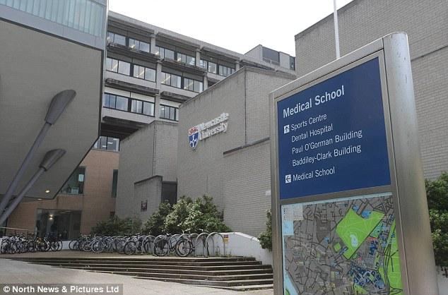 英国留学毕业后的选择成就自己的一生丨英国易就业城市大起底!