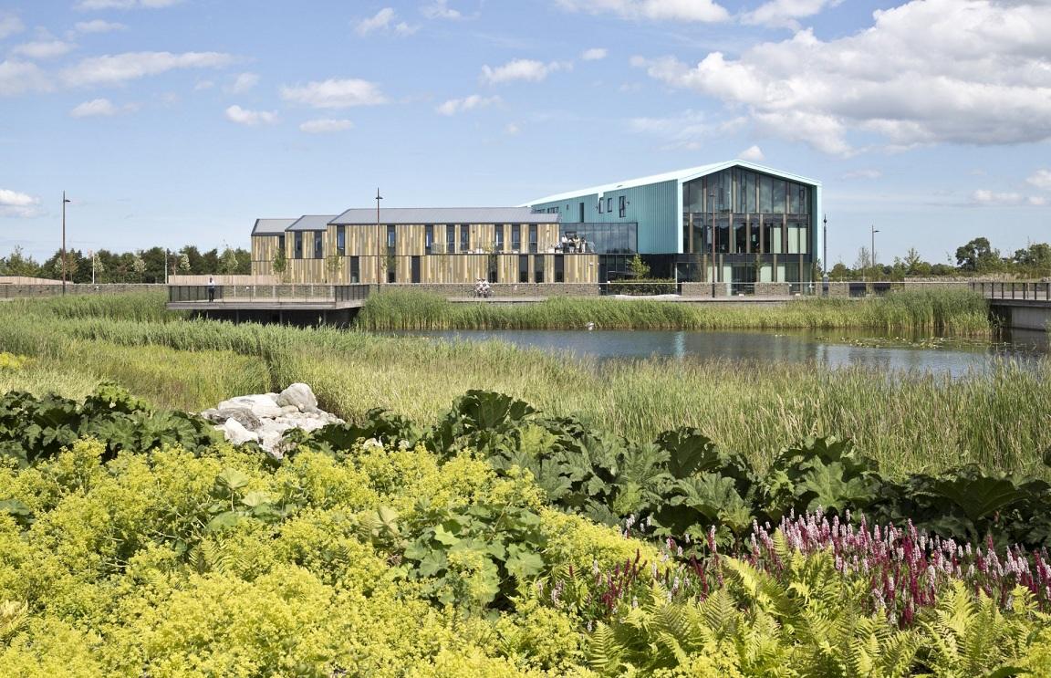 英国高地与群岛大学苏格兰唯一高等教育机构!