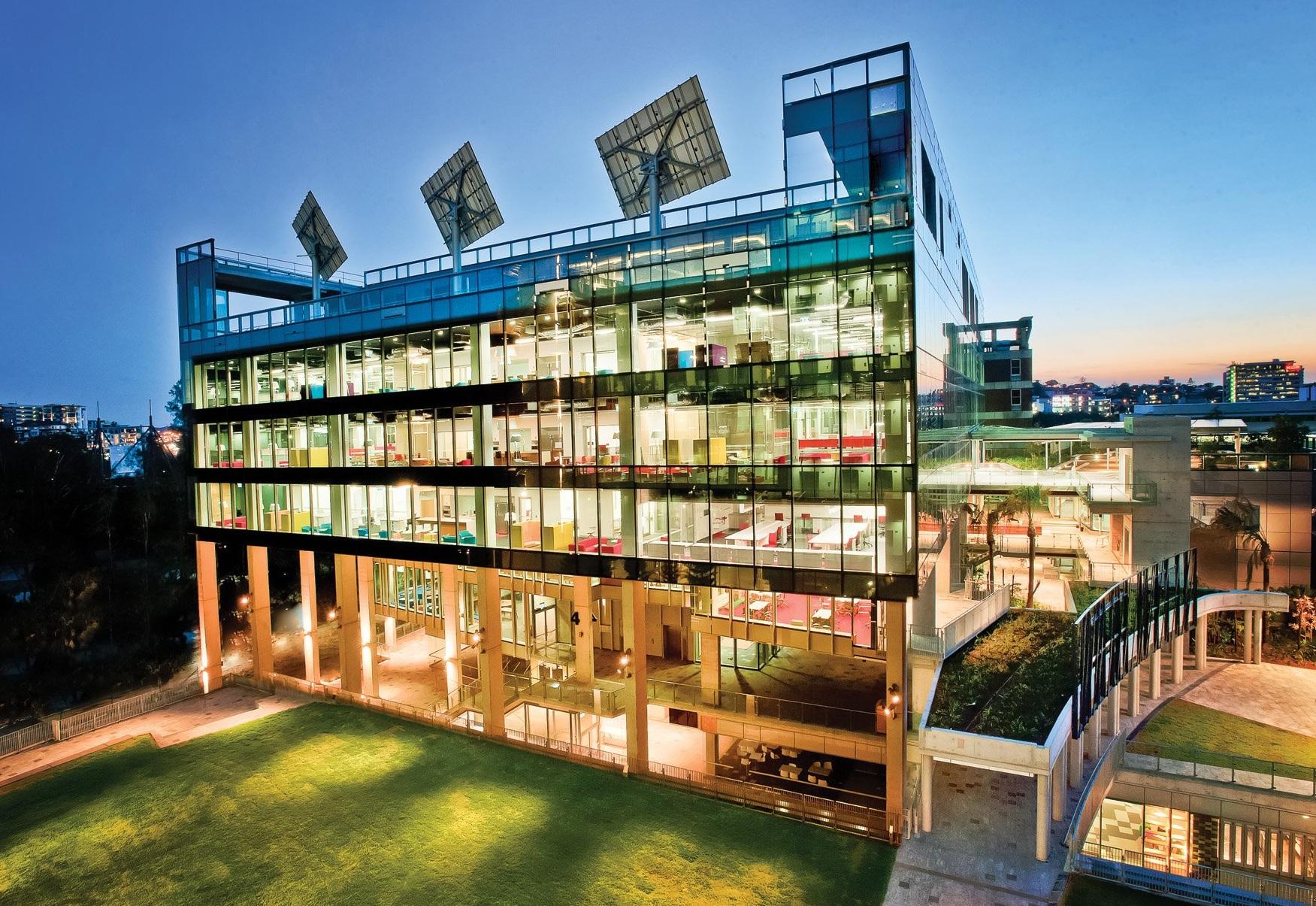 昆士兰科技大学IT专业学制几年