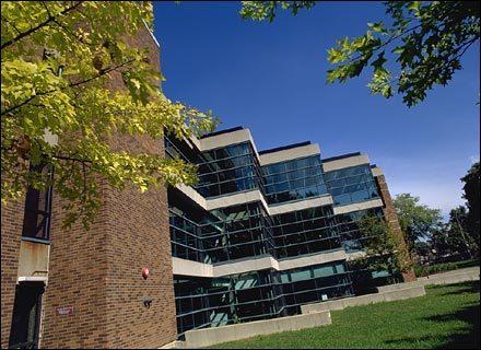 加拿大留学 读硕士需满足哪些申请条件?