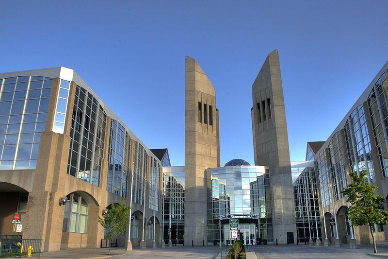 风景美,颜值高,花费低的阿尔伯塔省,有哪些好大学?
