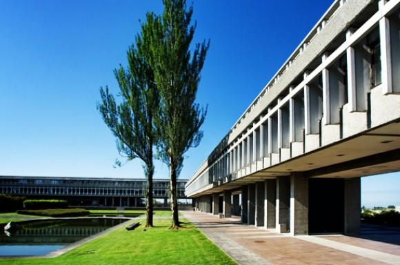 西蒙菲莎大学
