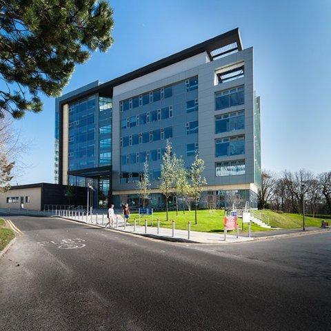 英国斯旺西大学就业机会