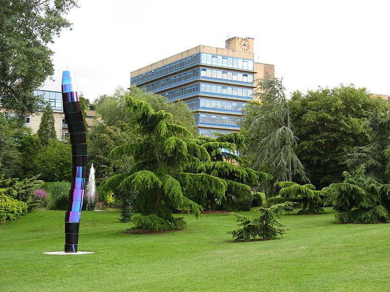 英国萨里大学专业设置及入学要求的须知!