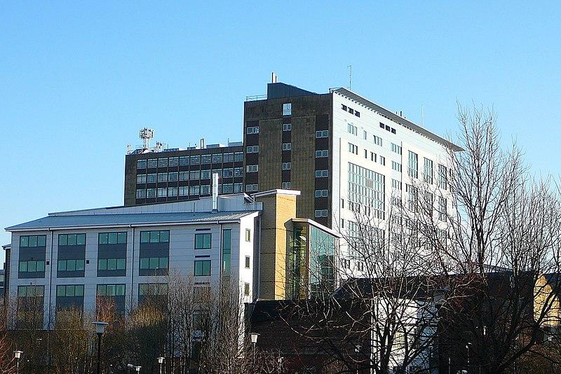 教学设备先进教学水平世界闻名 它就是布拉德福德大学!