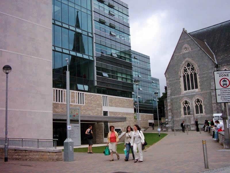 申请普利茅斯大学国际学院丨1500英镑奖学金等你拿!