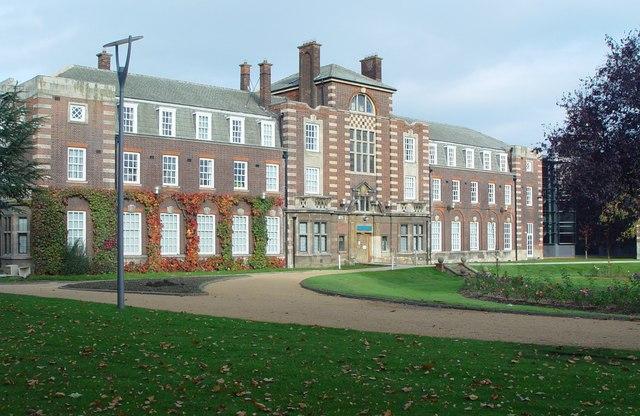 前往英国赫尔大学体验学习生活,准备好了就出发!