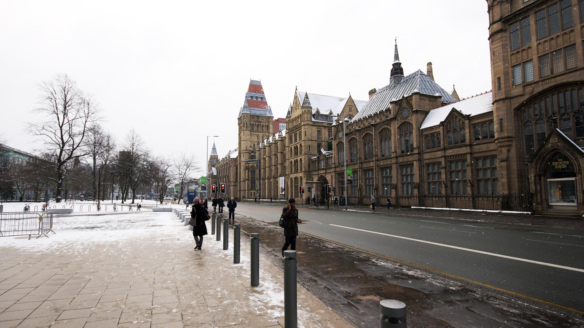 英国留学什么大学接纳跨专业申请金融?