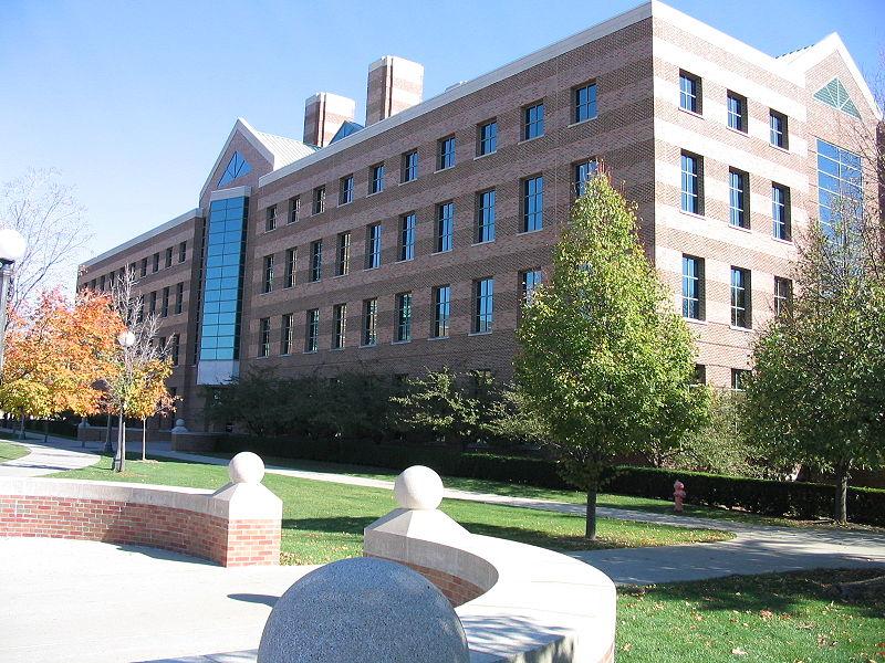 伊利诺伊大学香槟分校花数十万美元买保险,应对中国学生锐减风险!