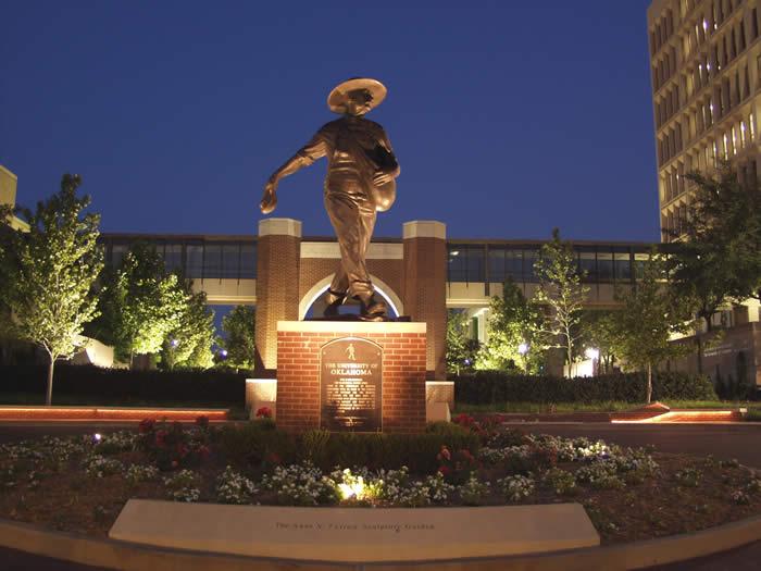 """美国公立大学系统中""""优秀学生奖学金""""获得者报考率很高的大学――俄克拉荷马大学"""