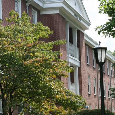 美国长岛大学:多方位培养来自各个阶层的学生