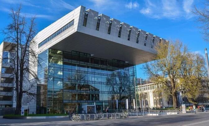亚琛工业大学电气专业改为英语