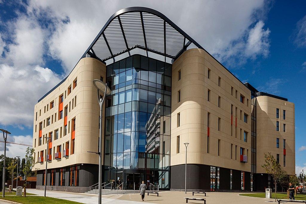 赫尔约克医学院竟是英国政府的一部分?