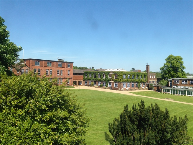 学术杰出的多元文化中学,英国阿什福德学校!