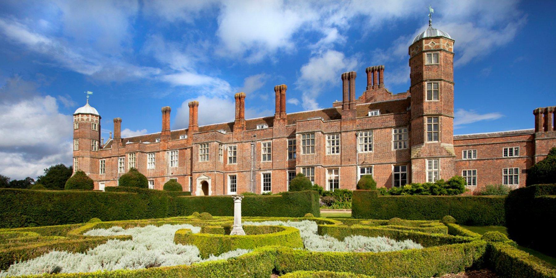 去英国留学,选择这些热门专业,从此让你走势人生巅峰!