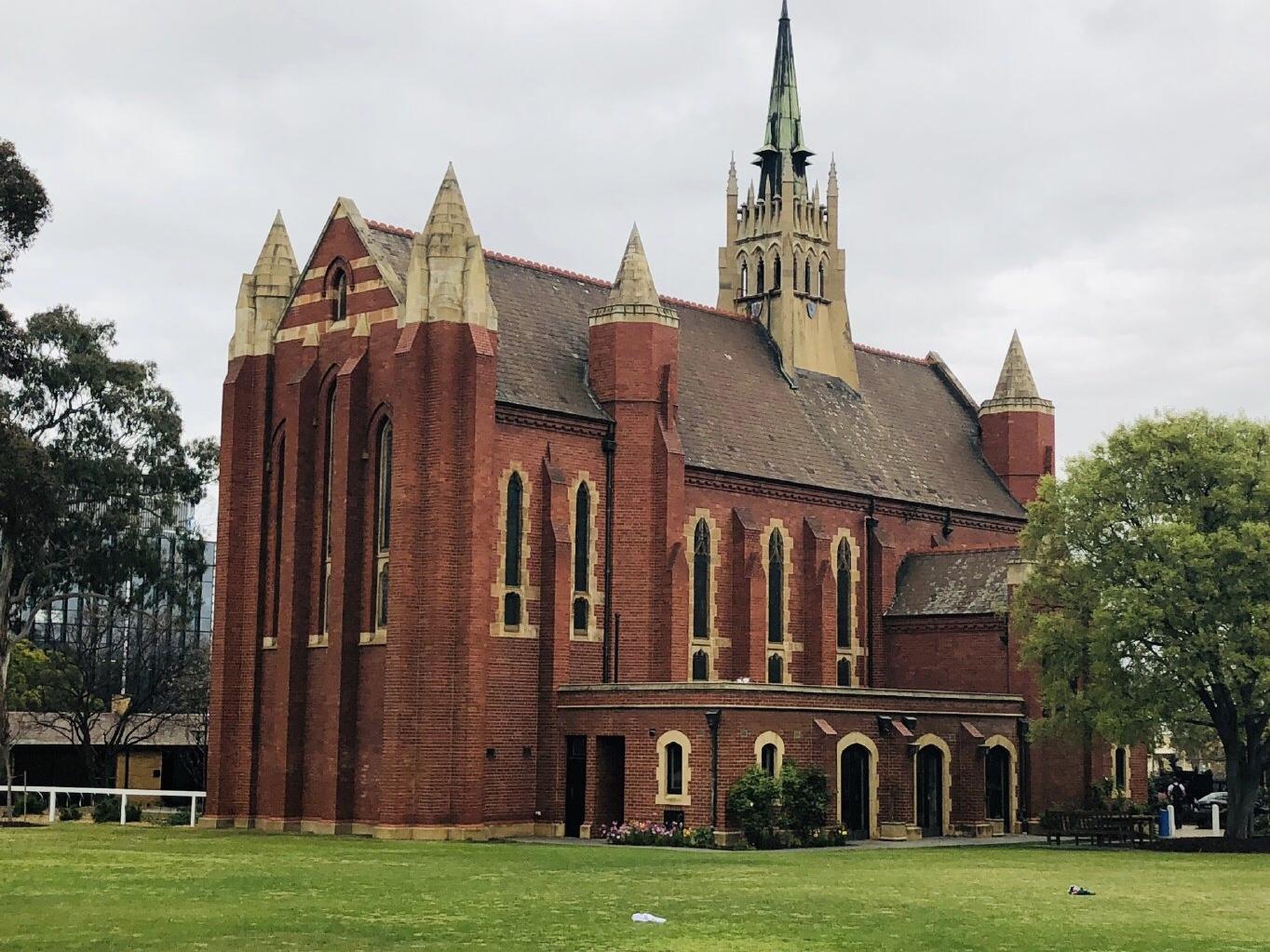 澳洲墨尔本大学入学时间