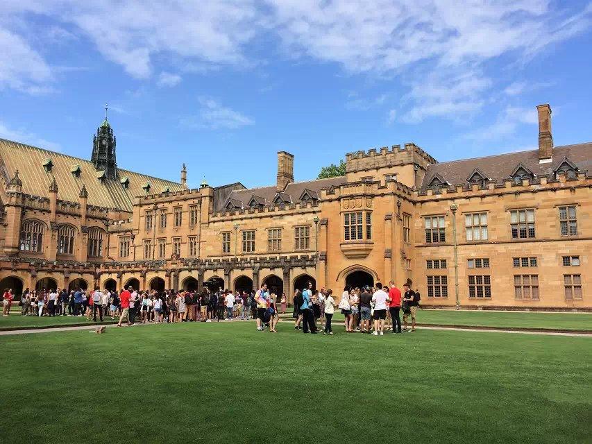 澳洲留学请求中很罕见的成绩来看看吧!