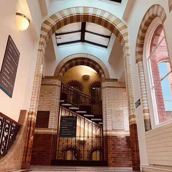 威尔士新港学院:时间就能让你欣赏到世界名片和新篇