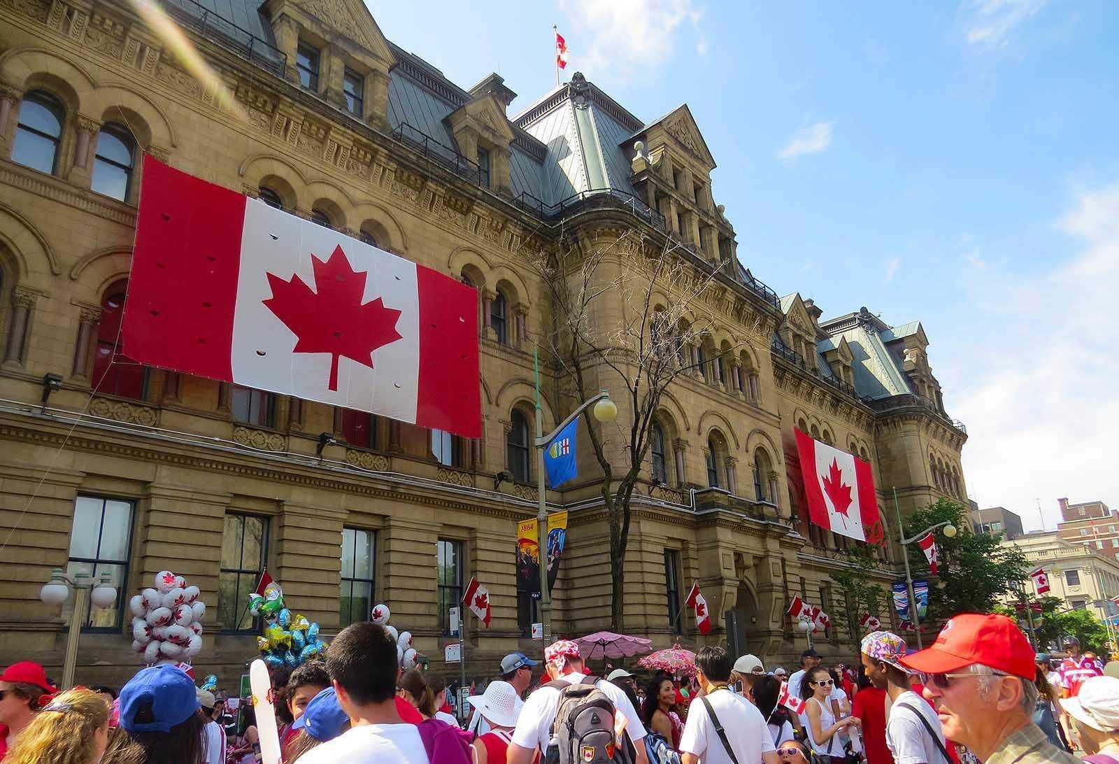 加拿大留学三种方式,让学生高考后无忧!