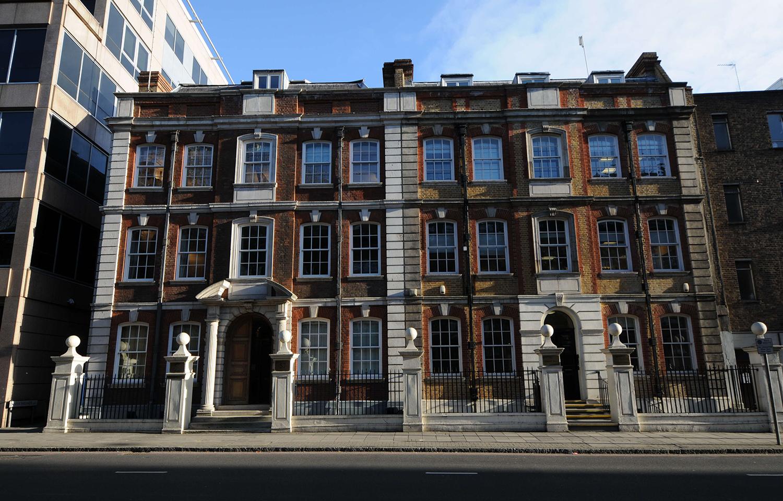 """为了保学位证""""含金量"""",英国政府要对英国大学放大招啦!"""